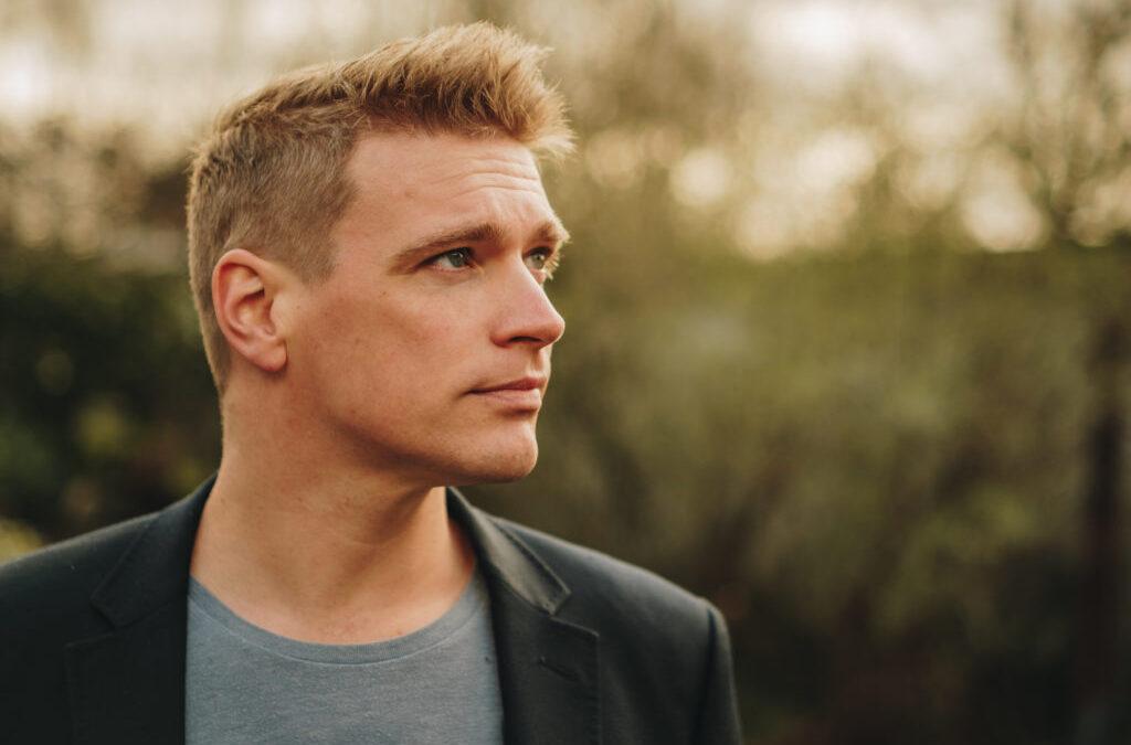'Tukkerspotten' bij RTV Oost – Interview met uitgever Paul Abels
